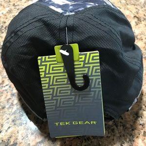 tek gear Accessories - Tek Gear ball cap